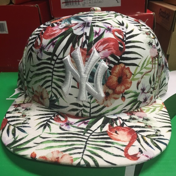 4c51da3bdd5ba New York Yankees new era floral snapback hat